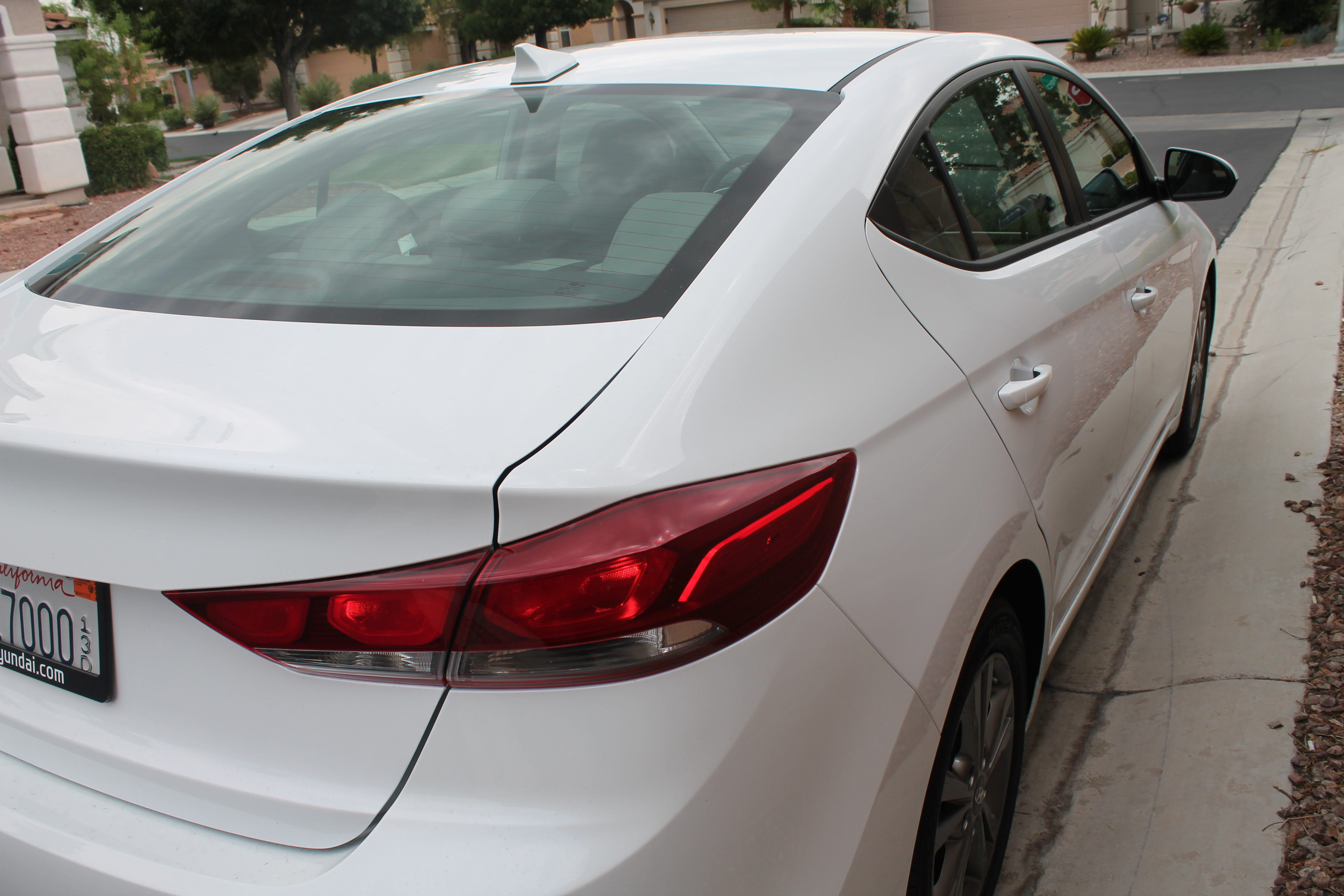 Hyundai Elantra SE {Vehicle Review :: DriveShop}