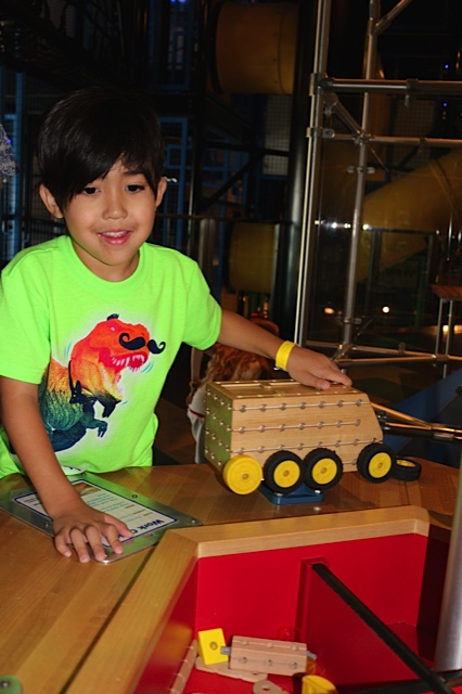 Birthdays  at Discovery Children's Museum- Is A Piece Of Cake!